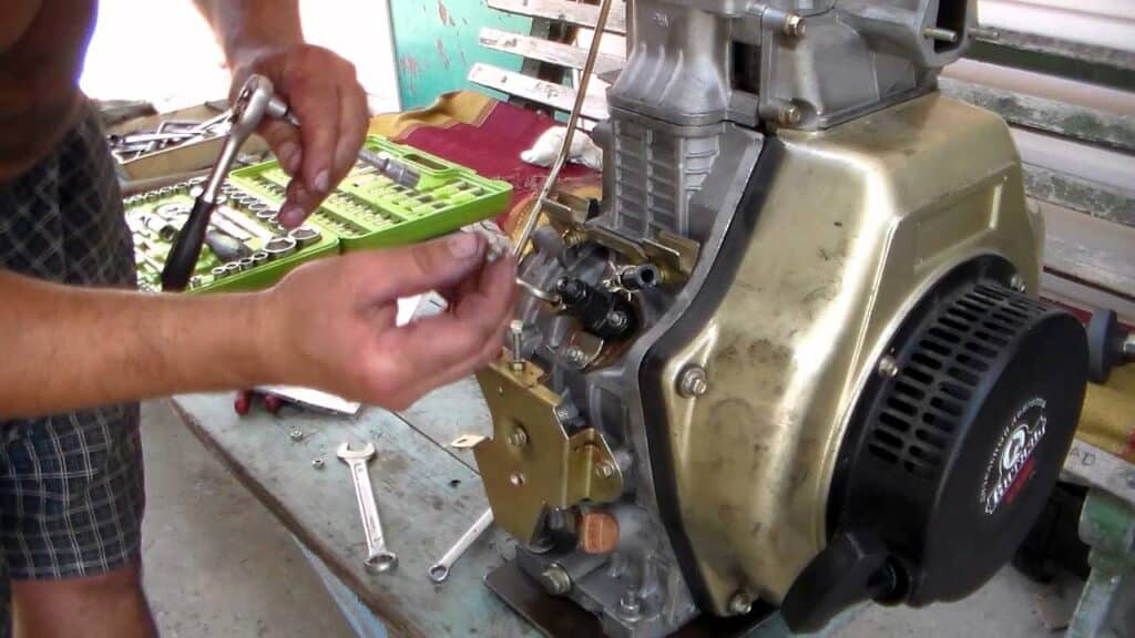 Двигатель мотоблока плохо заводится на горячую