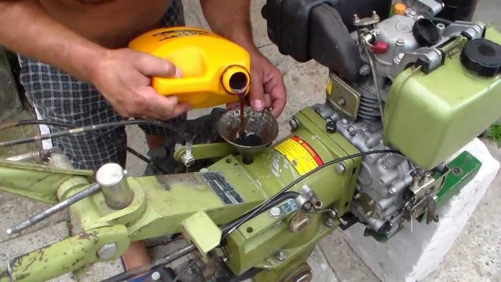 Какое масло заливать в редуктор мотоблока?
