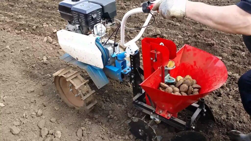 Посадка картошки мотоблоком