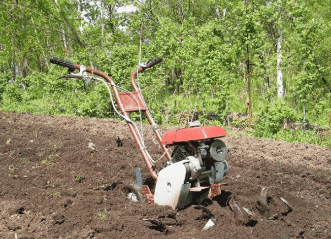 Причины зарывания культиватора в почву